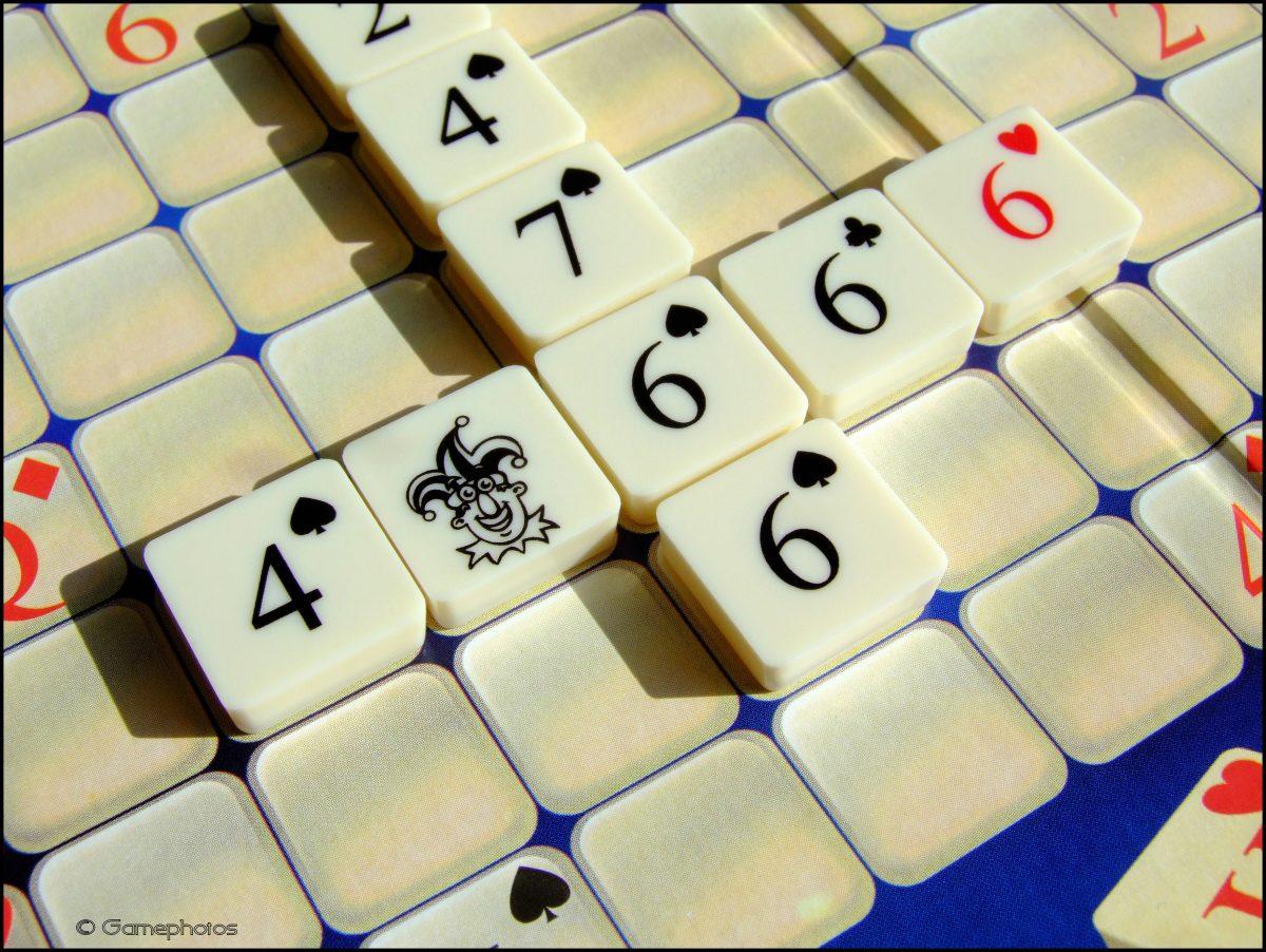 Crosshand Poker - Use Of A Joker