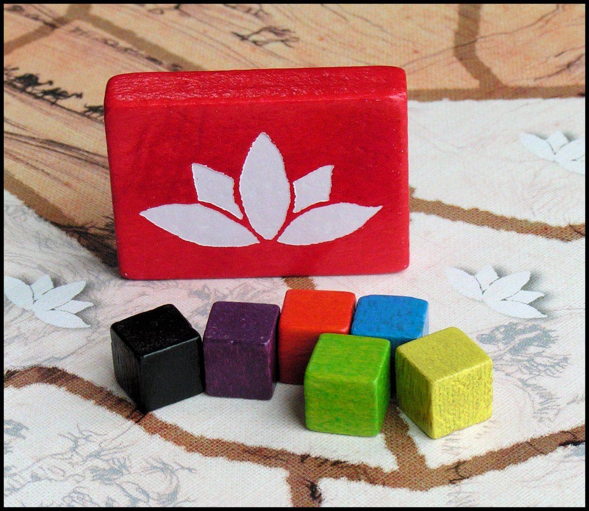 Der Weisse Lotus - White Lotus And Player Cubes
